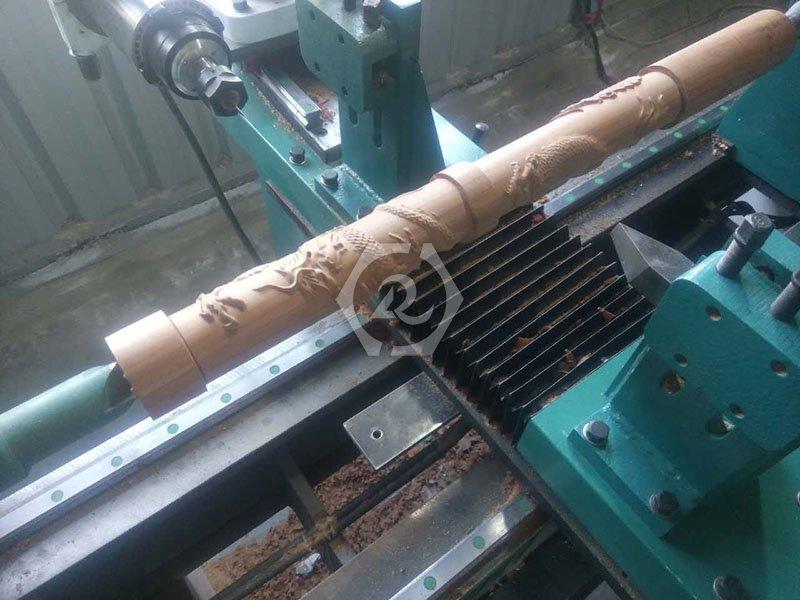 多功能单轴数控木工车床加工图