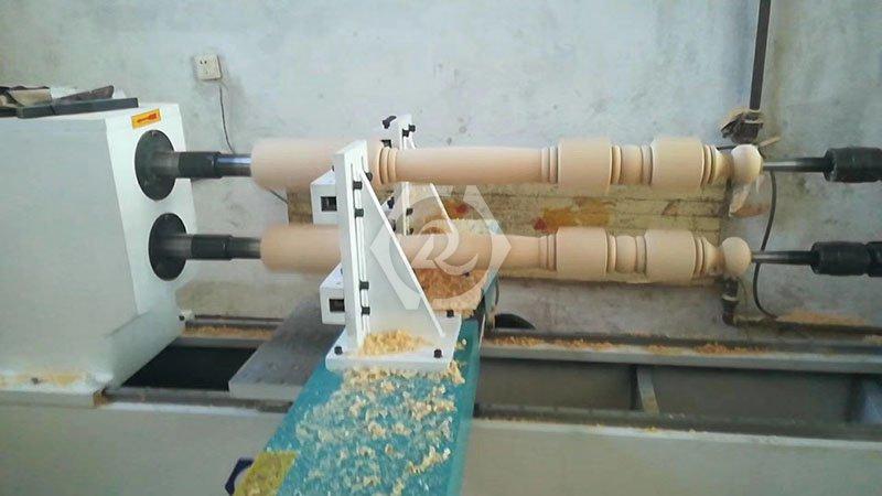 双轴数控木工车床加工图