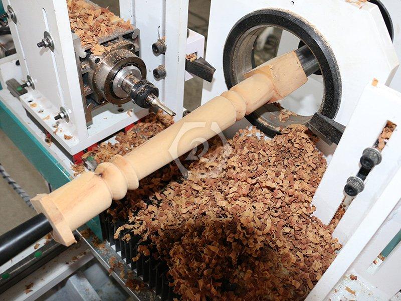 自动刀台木工车床加工图