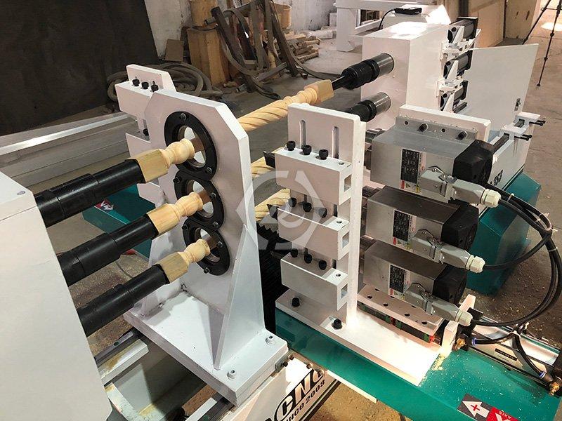 三轴全自动数控木工车床